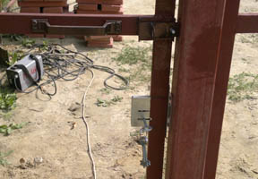 Комплектация ворот и калиток: запоры, замки